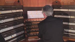 Ernst-Erich Stender an der Großen Orgel zu Sankt Marien, Lübeck